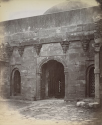Arch on the north face of the Alai Darwaza, Delhi